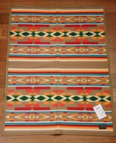 画像2: PENDLETON ペンドルトン ムチャチョブランケット アメリカ製 ひざ掛け (BEAVERSTATE:KHAKI 81.2×111cm) 新品 出産祝い