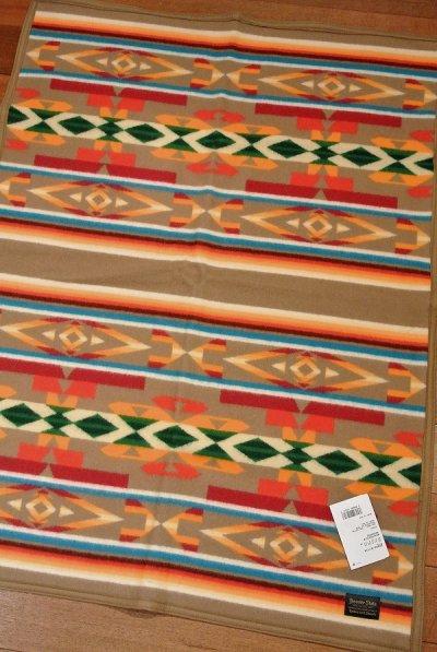 画像1: PENDLETON ペンドルトン ムチャチョブランケット アメリカ製 ひざ掛け (BEAVERSTATE:KHAKI 81.2×111cm) 新品 出産祝い