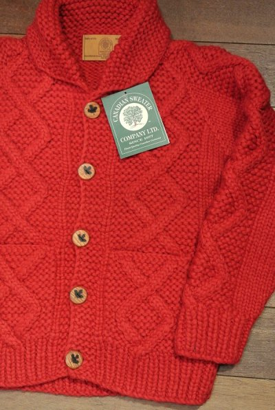 画像1: CanadianSweater カナディアンセーター フロントウッドボタンカーディガン カウチンセーター(Red/38) 新品