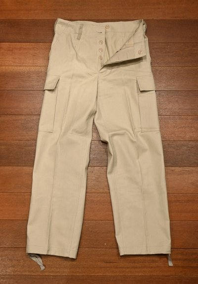 画像2: 90s デッドストック ドイツ軍 ホワイトモールスキン カーゴパンツ Deadstock German Military Moleskin Cargo Pants (BEIGE/SIZE :1)